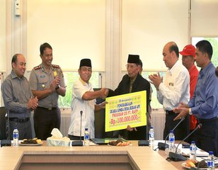 APRIL awards Teluk Meranti village for zero-burn practice